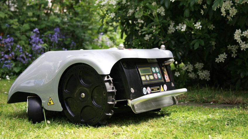 I migliori robot tagliaerba marche prezzi e caratteristiche
