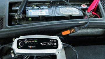 I 10 Migliori Caricabatterie per Auto e Moto più Affidabili