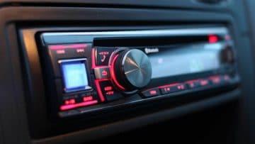 <thrive_headline click tho-post-6554 tho-test-208>Le 10 Migliori Autoradio CD, Bluetooth, iOS e Android a 1 e 2 Din</thrive_headline>