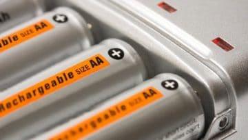 <thrive_headline click tho-post-6910 tho-test-217>Le 10 Migliori Batterie Ricaricabili per Tenuta e Durata</thrive_headline>