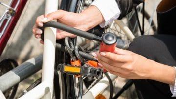 <thrive_headline click tho-post-8733 tho-test-260>I 10 migliori lucchetti per bici e catene antifurto ad alta sicurezza</thrive_headline>