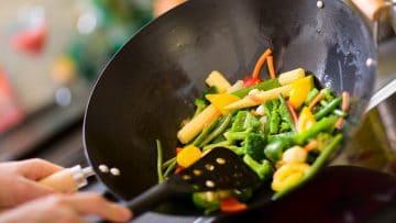 <thrive_headline click tho-post-8938 tho-test-265>Le 10 Migliori Pentole Wok e Padelle per Saltare in Cucina</thrive_headline>