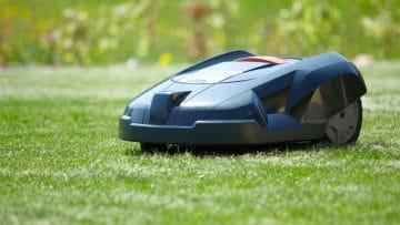 <thrive_headline click tho-post-10051 tho-test-287>I 10 Migliori Robot Tagliaerba per la Manutenzione Autonoma del Prato</thrive_headline>